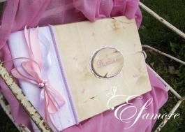 Βιβλίο Ευχών Sarah Kay, υφασμάτινο μπροντερί, με ξύλινο παλαιωμένο εξώφυλλο.